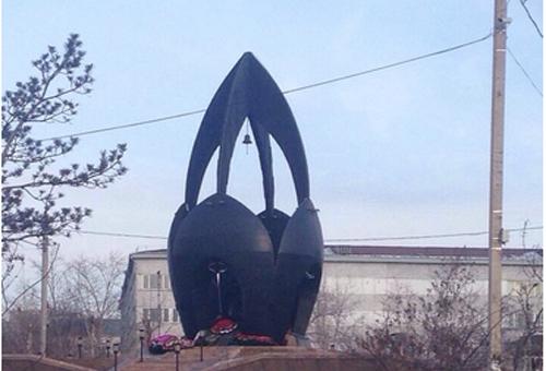 Памятник черный тюльпан в улан удэ памятники могилев гранит